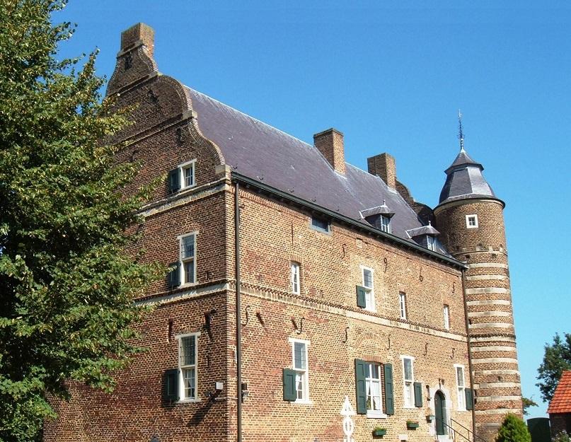 1480263877-kasteel_grasbroek2